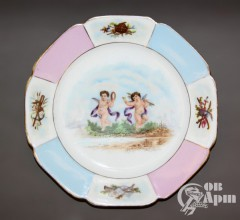 Декоративная тарелка с изображением амуров